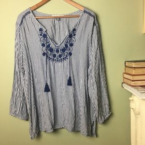 Old Navy boho peasant tunic shirt blue embroidered
